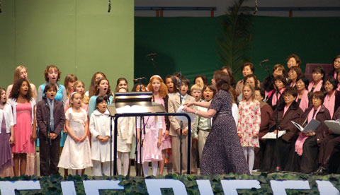 Singing at the Hollywood Bowl, Easter Sunrise Service