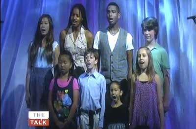 LA Children's Choir singing backup for Linda Perry